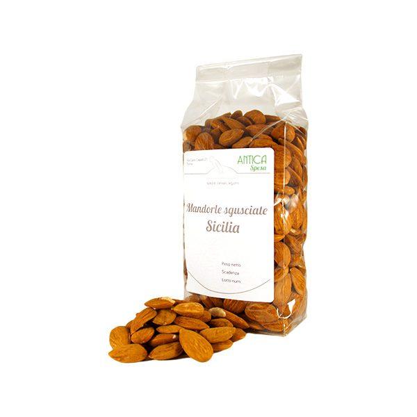 Mandorle sgusciate crude siciliane shop online in confezione da 250 grammi, 500 grammi e 1 kg.
